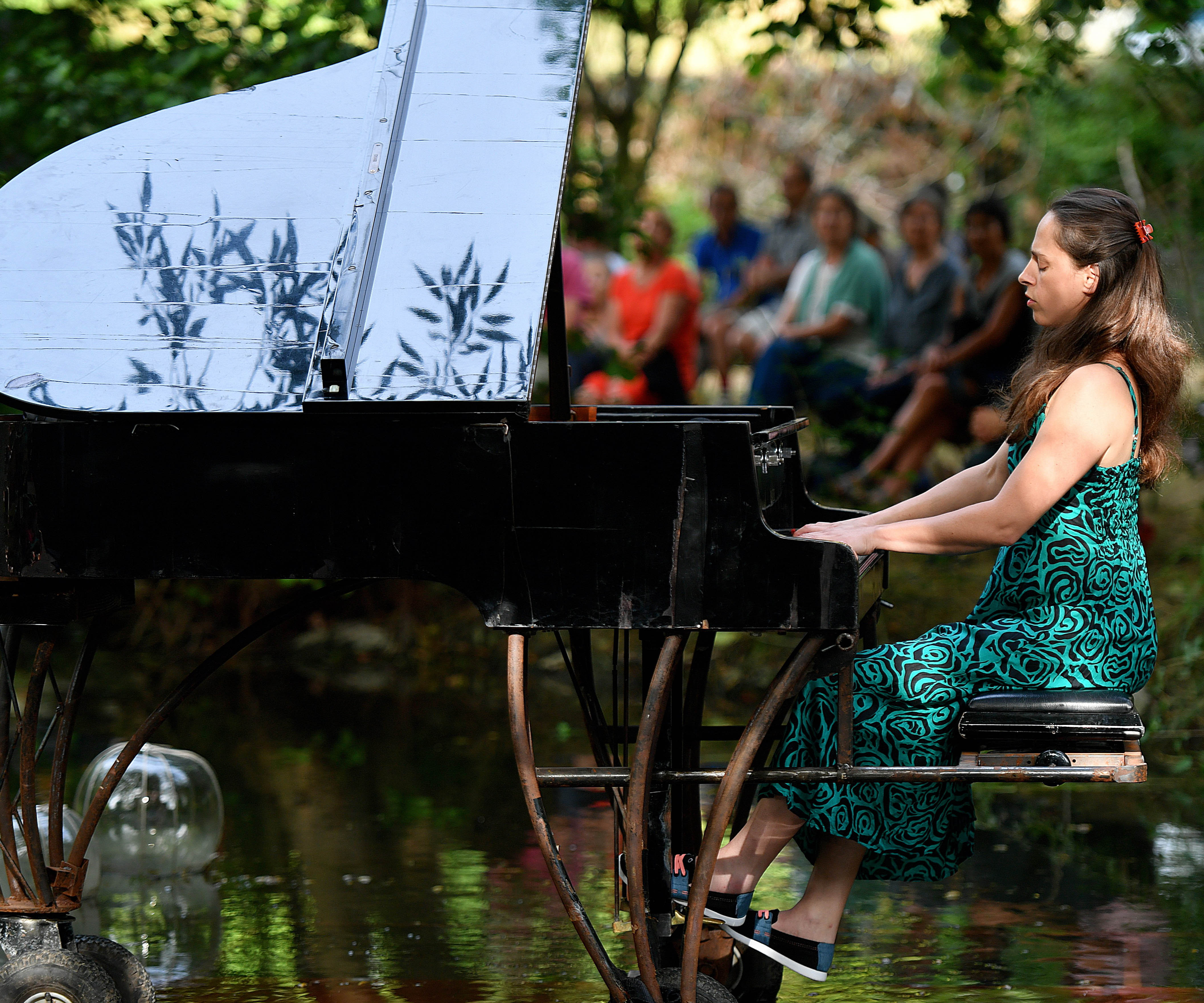 Piano flottant_avec Alice Rosset_credit photo Thierry Yvars copie